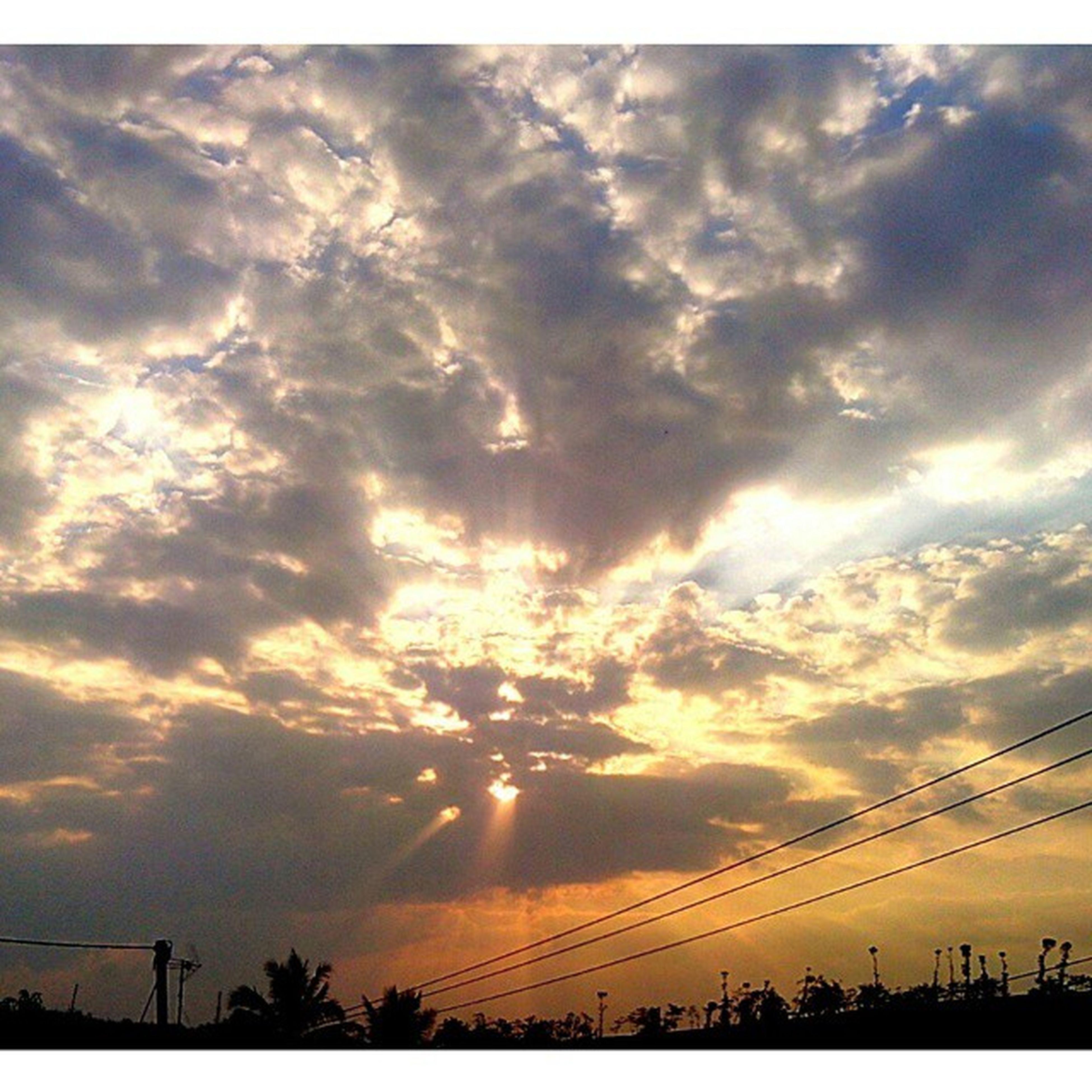 Vscocam Vscobdg VSCO Sky ray light sunset vscosunset