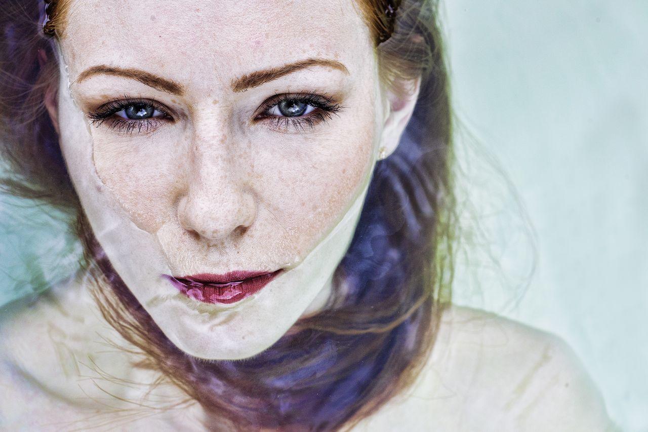 Beautiful stock photos of sad, 25-29 Years, Bathtub, Beautiful Woman, Caucasian Ethnicity