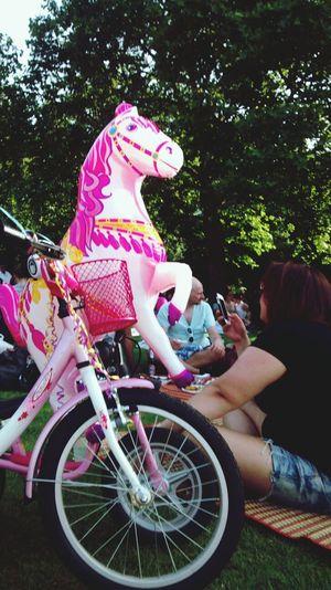 Ride my pony. Thaiwiese Preussenpark Sunday