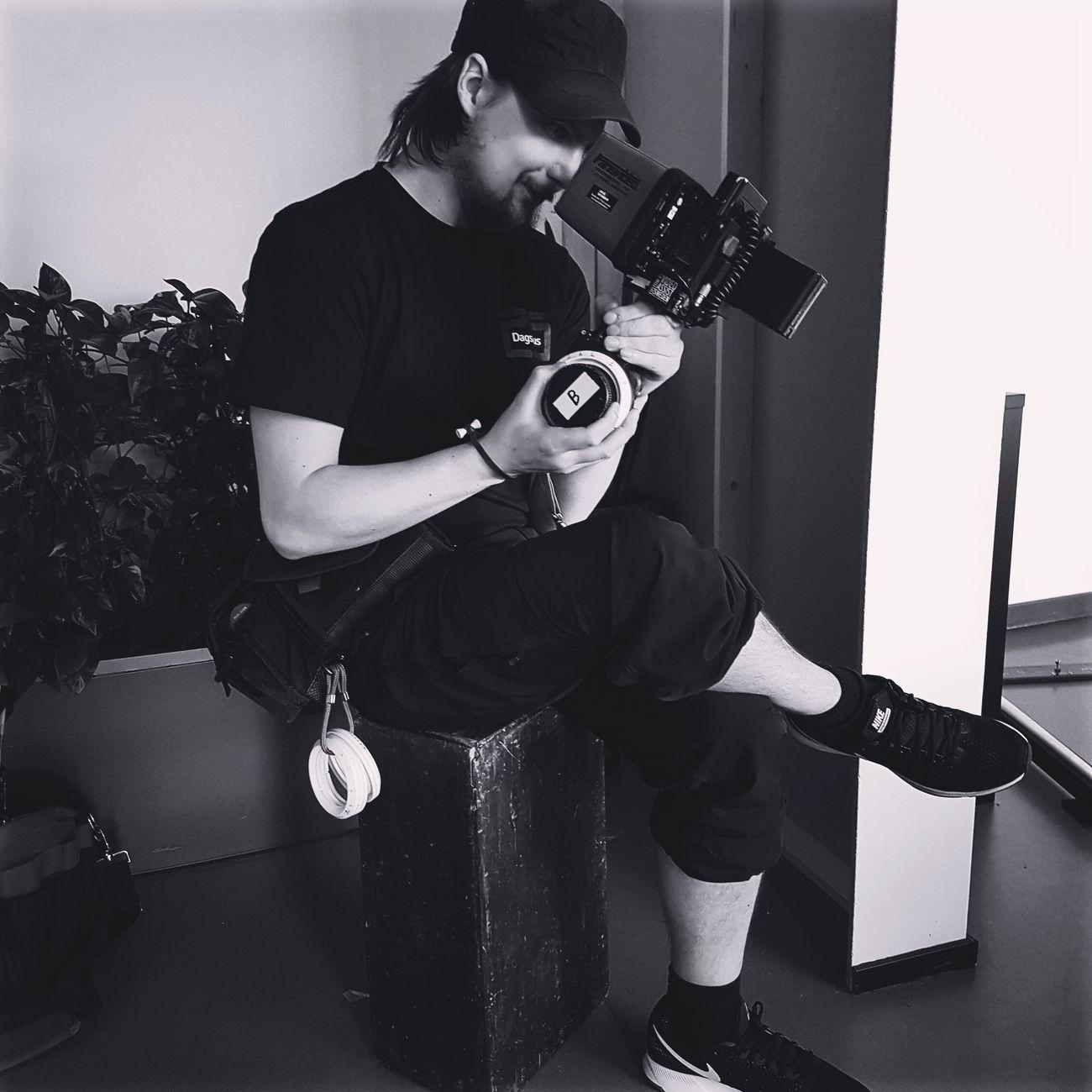 Me focus pulling a tv series😊 K35 Lense Wcu 3 Boxx Atom Boxx Arri Mini Tv-series 1-AC Love ARRI Focus Puller Film Location Setlife ARRI Life On Set Filmset I Love My Job! Sweden Film Arri Belt