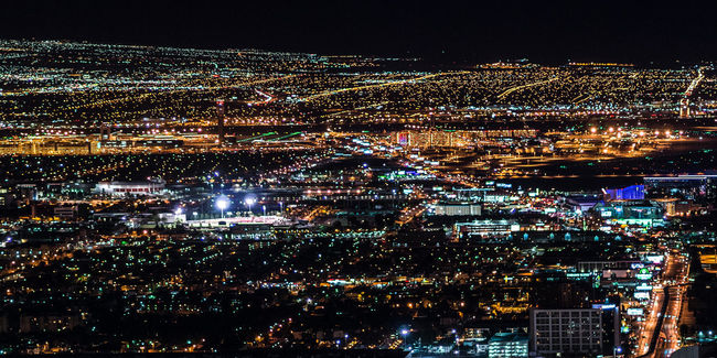 All the city lights \ Aerial View Cities At Night City City Never Sleep Cityscape Dark Enjoying The View EyeEm Best Shots Glowing Illuminated Lights Long Exposure Modern Night Night Photography Outdoors Shootermag Stadt Land Fluss Stadtlandschaften Traffic Travel View View From Above