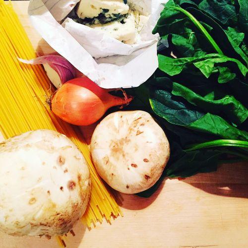 Food Pasta Onion Garlic Mushrooms Spinich Kitchen
