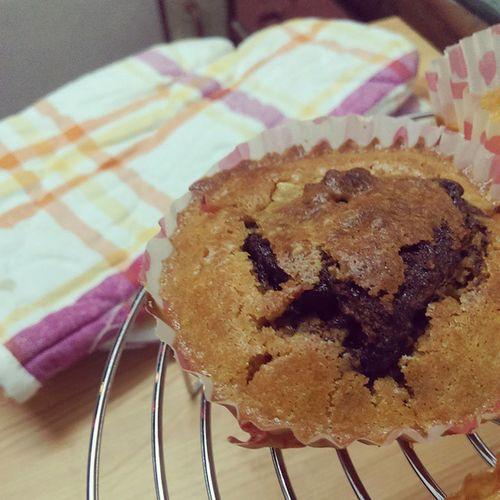 Vanilla Oat Crumble Nutella muffins