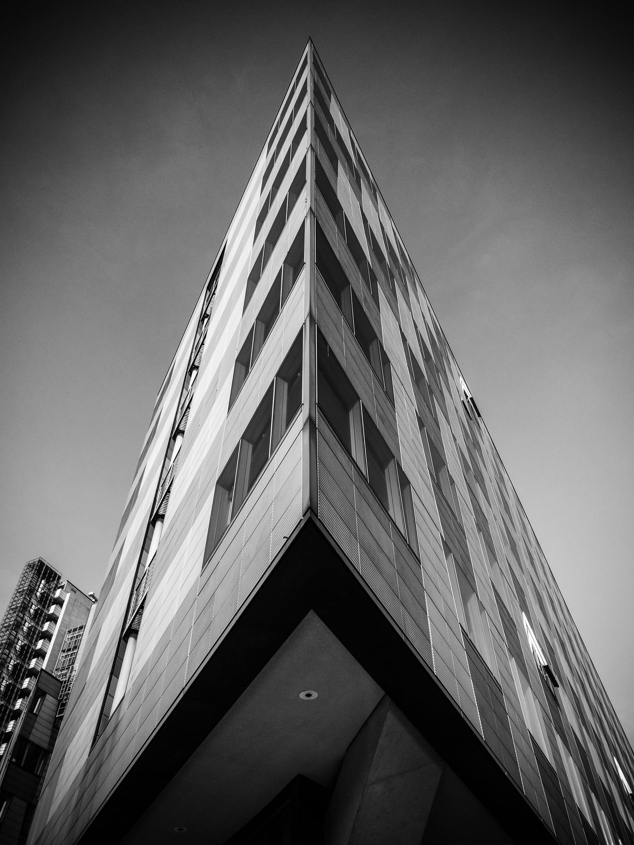 Monochromeview Architectural Feature Architecture Architecture_bw Architecturelovers Berlin Black & White Berlin Monochrome Berlin Schwarzweiss Berliner Ansichten Black & White Black And White Berlin Black And White Photography Building Exterior Building Story Built Structure Cityexplorer Cityscape Day Huawei P9 Leica HuaweiP9 Low Angle View Monochrome Monochrome Berlin Schwarzweiß
