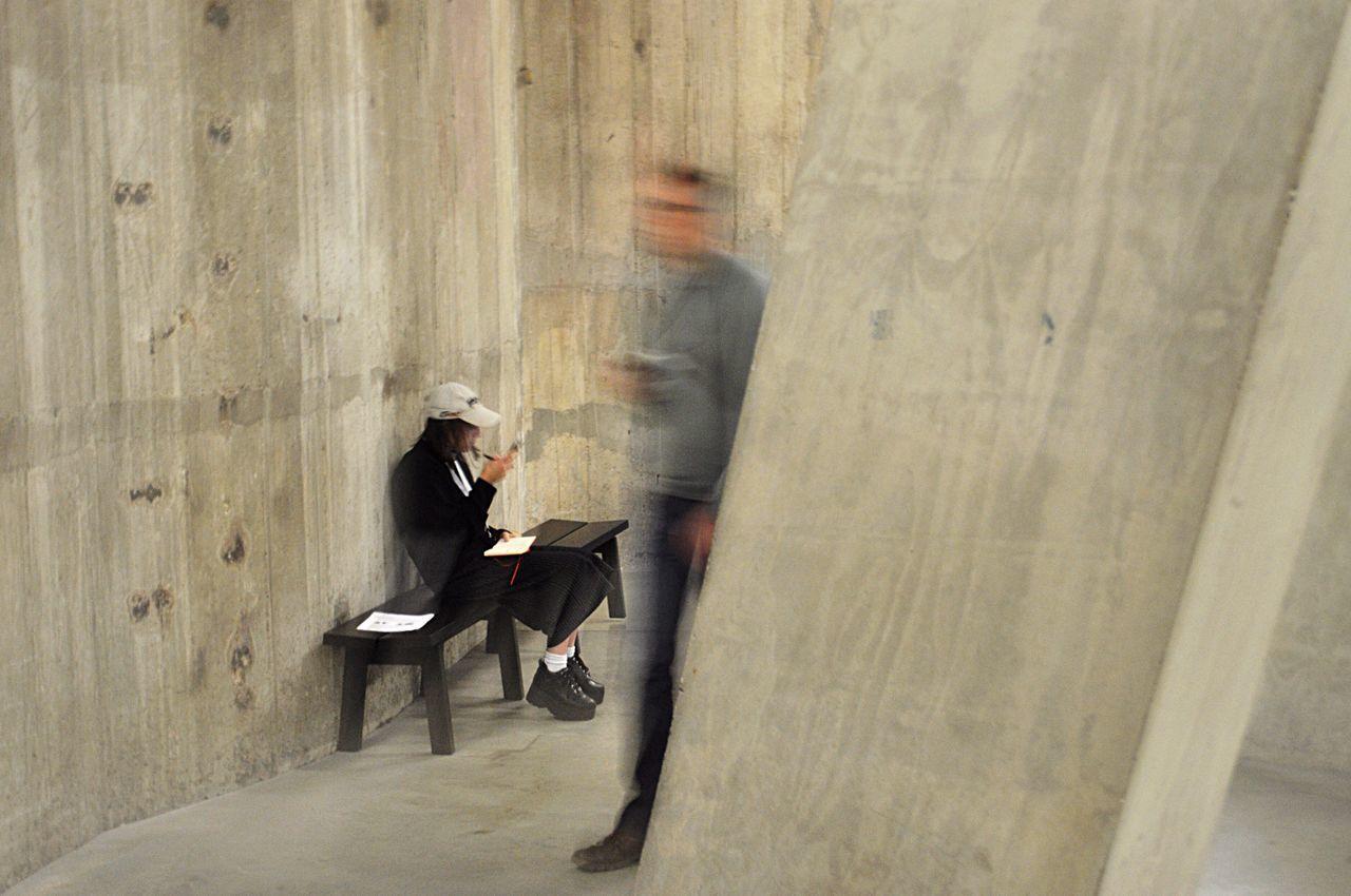 Ghost London Lifestyle London TateModern Motion Motion Capture Motion Blur Men Indoors