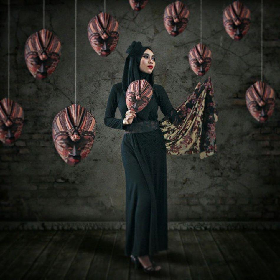 Mask Photomanipulation Digitalimaging Photoshoot Pic Talent Darkscene Darkbeauty Huscyendra