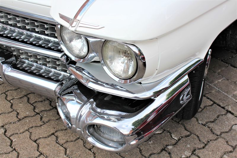 An image of a classic car headlights, fender , bumper Classic Classic Car Fender Bumper Car Headlight Headlights Lamp Lamps Land Vehicle Lifestyles Mode Of Transport Transportation Vintage Vintage Cars