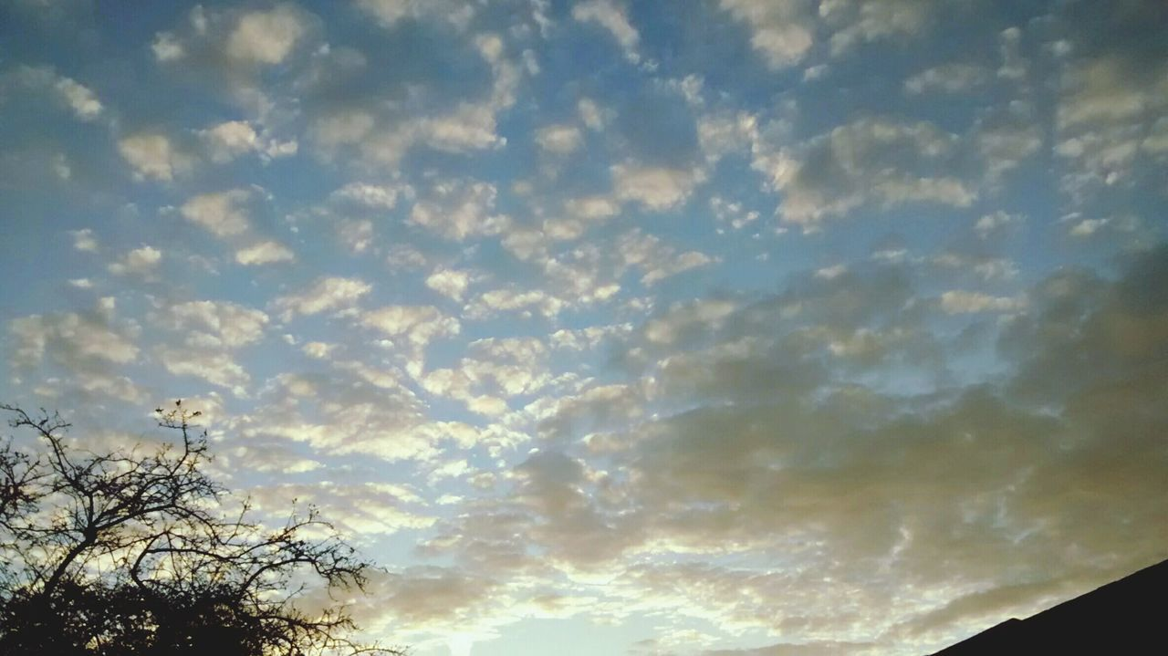 Enjoying The Sun EyeEm Best Shots Eye4photography  Minimalobsession Sky_collection EyeEm Gallery Clouds And Sky
