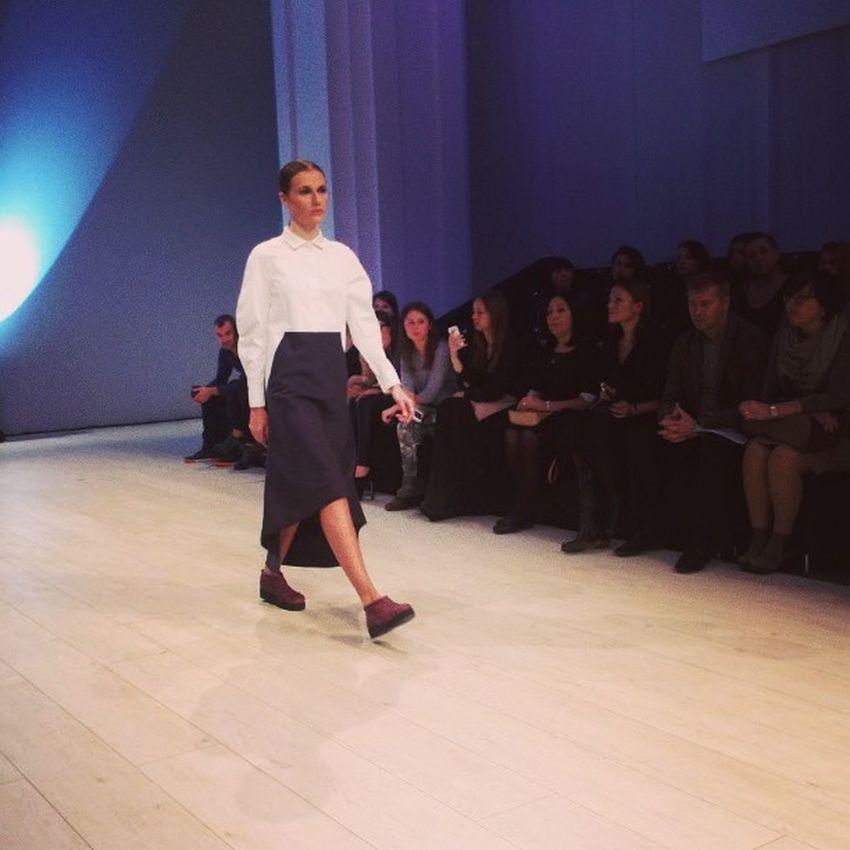 Вот в таких нарядах будут ходить девушки в следующем сезоне ? Ukrainianfashionweek Fashion Kiev  показ Киев