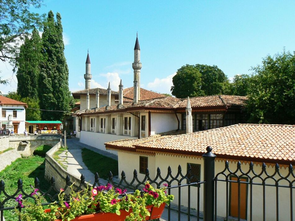 I saw this town in my dream last night. Khan palace in Bakhchysarai, former capital of Crimean Tartars. Now it's a small town in the south of Ukraine. Crimea Palace Bakhchysarai