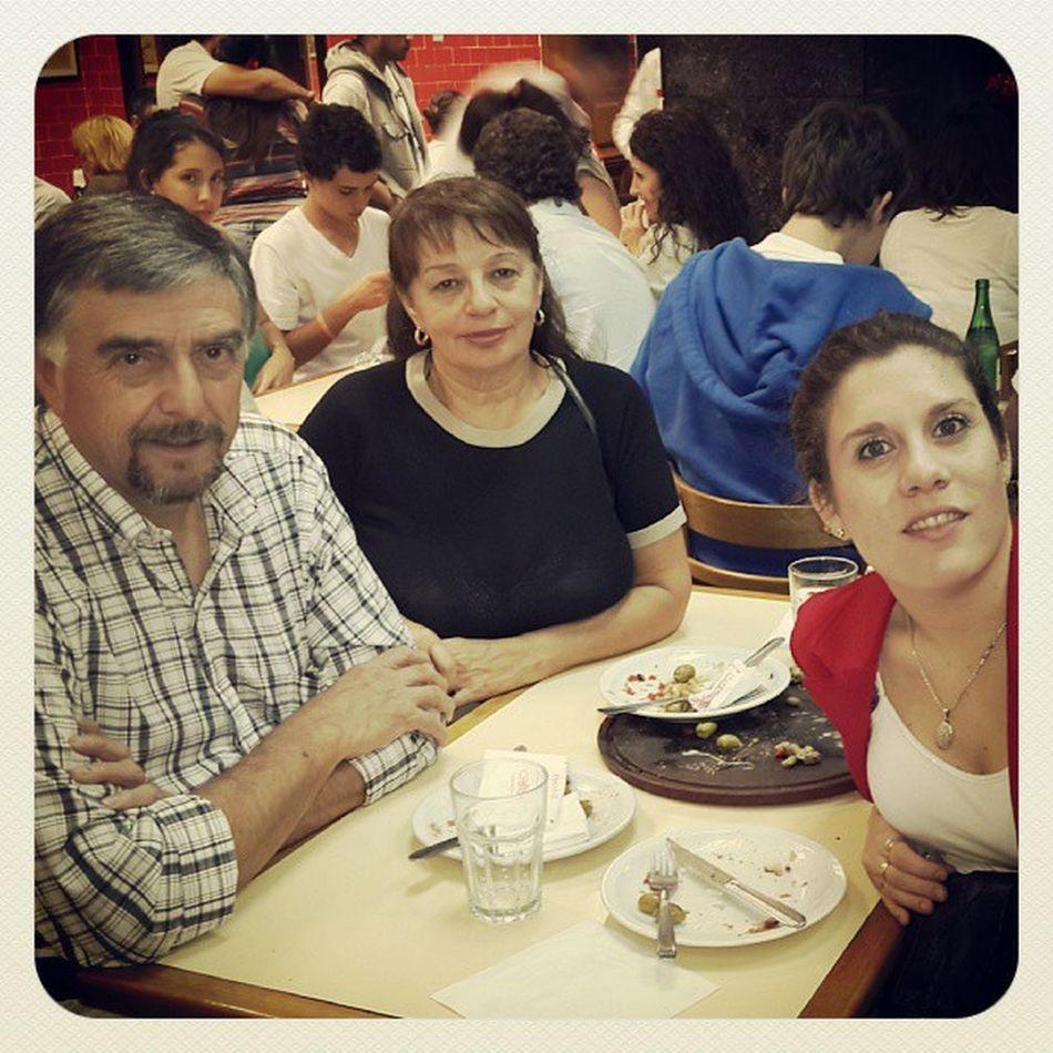 Família MamaYpapa Cenaenfamilia Arrasando en Güerrin