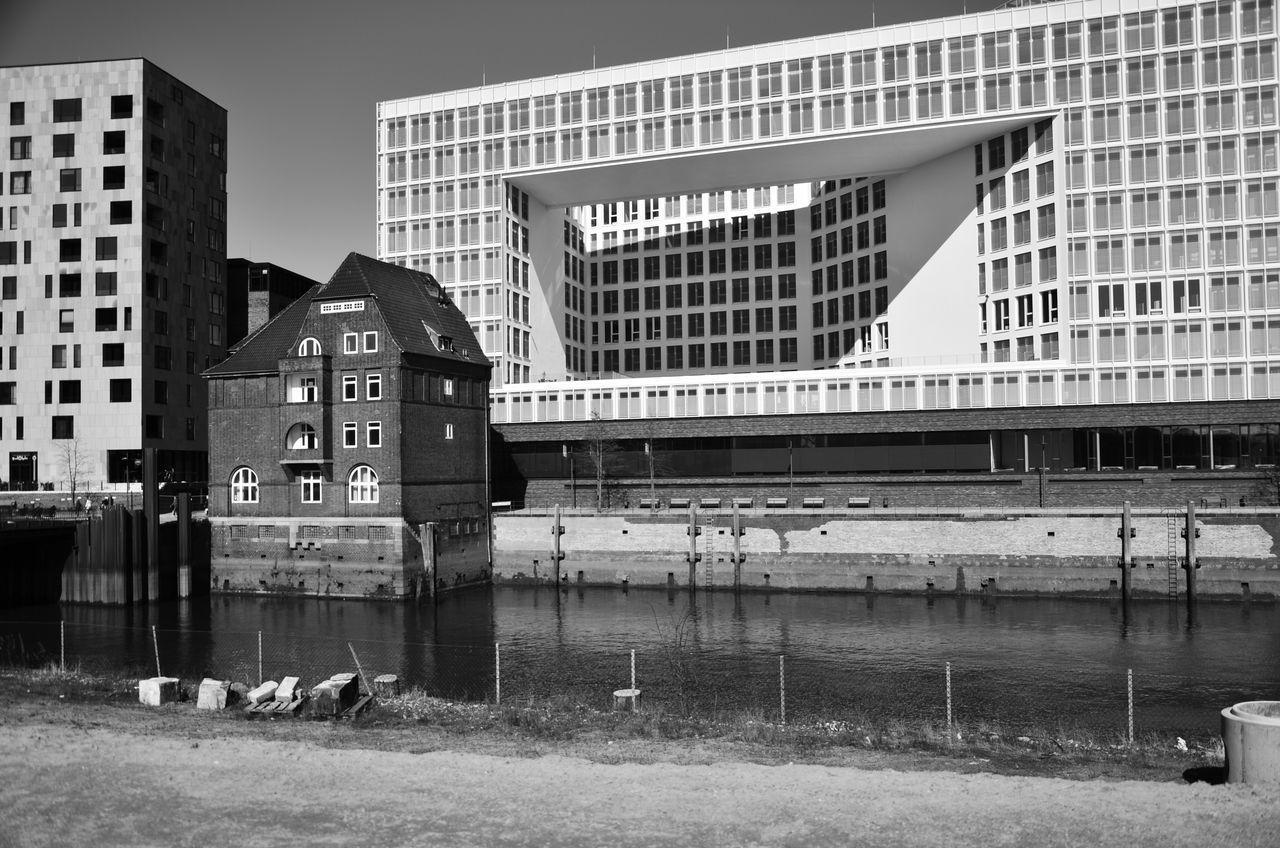 Kontraste Architecture Blackandwhite Built Structure City Contrast D7000 DSLR Hafencity Hamburg Kontrast Modern Nikon No People Schwarzweiß