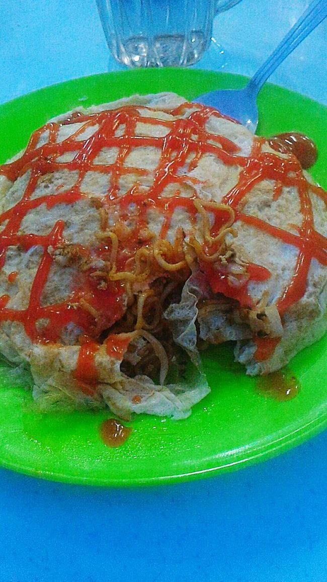 Maggi Goreng Pataya Noodles Eggs Chilli Sauce Dinner Yummy Foodporn 好吃 面 Instant Noodles Food Like Food And Drink Followme Hi Look Good Masterpiece with the Sauce