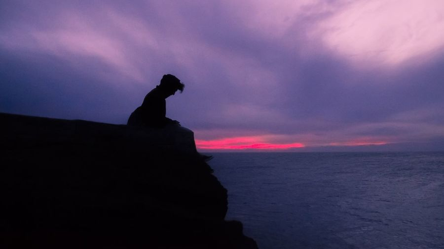12.635 km away from home. South Point, Hawaii. 🇮🇹➡️🌴 Miles Away South Point Hawaii Big Island Hawaii Big Island Loneliness Lonely Silhouette Sunset Sky Sea Tranquility No People Dramatic Sky Sad Sadness Thinking Traveling Travel Pacific Ocean Cliff Jumping Empty Air Breathtaking Long Goodbye