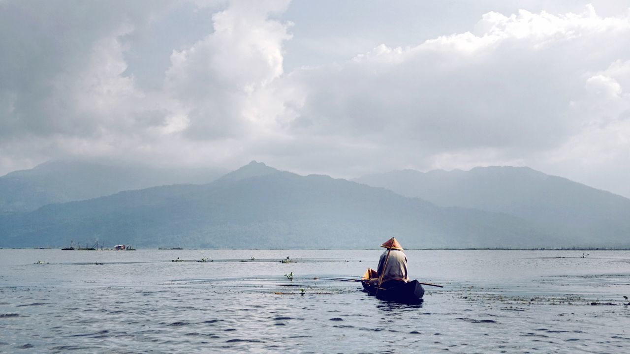 Beautiful stock photos of fishing, Asian Style Conical Hat, Beauty In Nature, Boat, Cloud - Sky