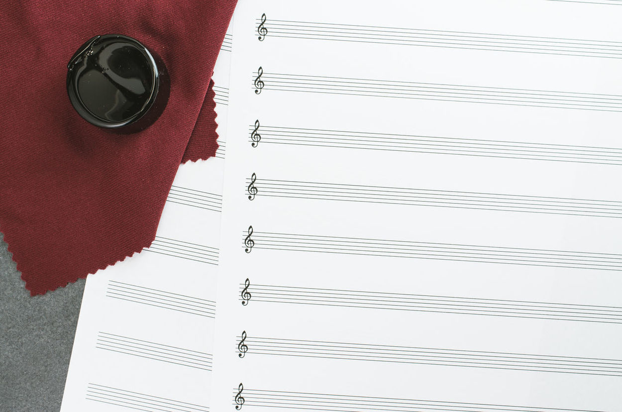 staff treble clef music paper - violin bow rosin Blank Clef Close-up Colofonia Conceptual Day Indoors  Minimalism Music Music Music Paper Musical Instrument No People Paper Rosin Staff Towel Treble Writing