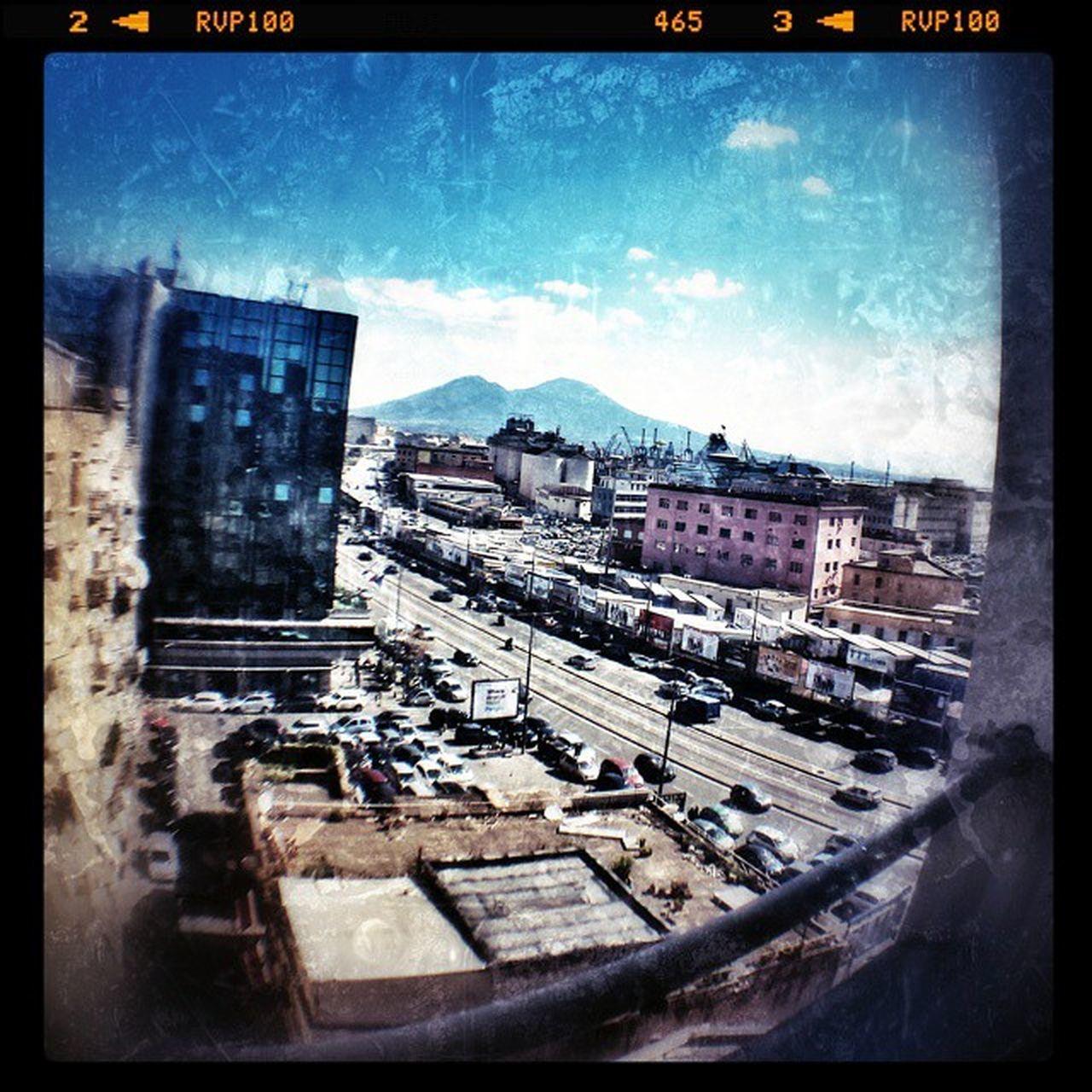 Unior Napoli Vesuvio Vesuvius  Naples Neapel Italy foto_Napoli Napolipix road traffic cars sky fisheye
