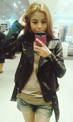 Weekday or not, spice up on a black vegan leather jacket! Shop for the season >>> http://shrsl.com/?~atve Hello World That's Me Wearing Leather Jacket Comfy  Light Nice Design Leather Cold Winter ❄⛄ Reason For The Season Vegan