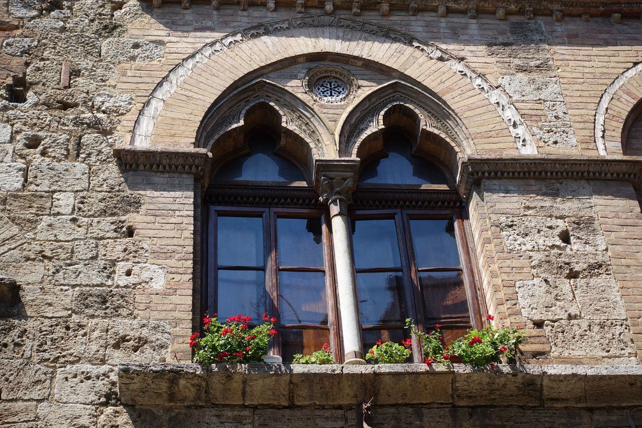 in the Roads Architecture Building Exterior Built Structure Etruscan Civilization Flower Historic Centre Manhatten Skyline Medival City Outdoors San Gimignano Torre Toscana ıtaly Window