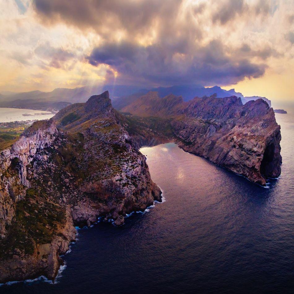 Mallorca tTravel DestinationssSkysSeawWaterDDGICCityscapefFromthetopcCloud - SkymMountainsSunset