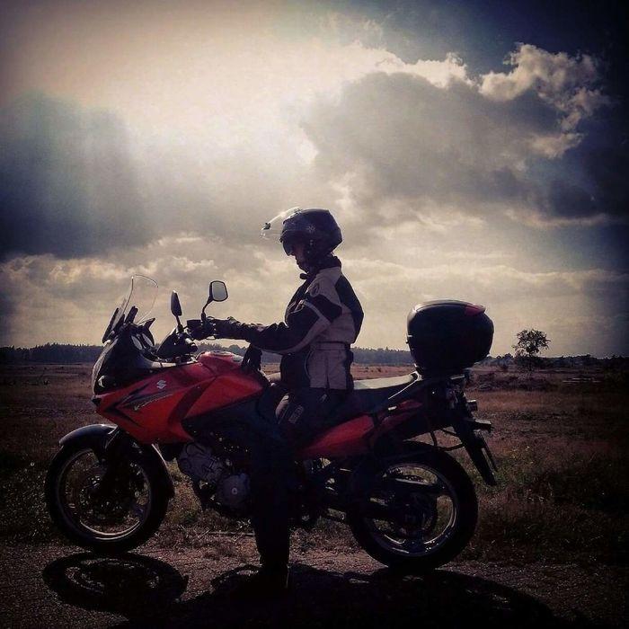 Me mysef and I!😉🌞💓👌 Eyeontheworld Suzuki Suzuki Dl650 VStrom Bikerforlife Love Inspired Eyemmarket Eyeem Market Zen Motorcycles