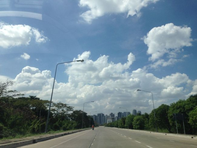 Showcase: November The Purist (no Edit, No Filter) Streetphotography Driving In The Car On The Road Sky Clouds Sun_collection, Sky_collection, Cloudporn, Skyporn We ❤️ Thailand Eye Em Around The World