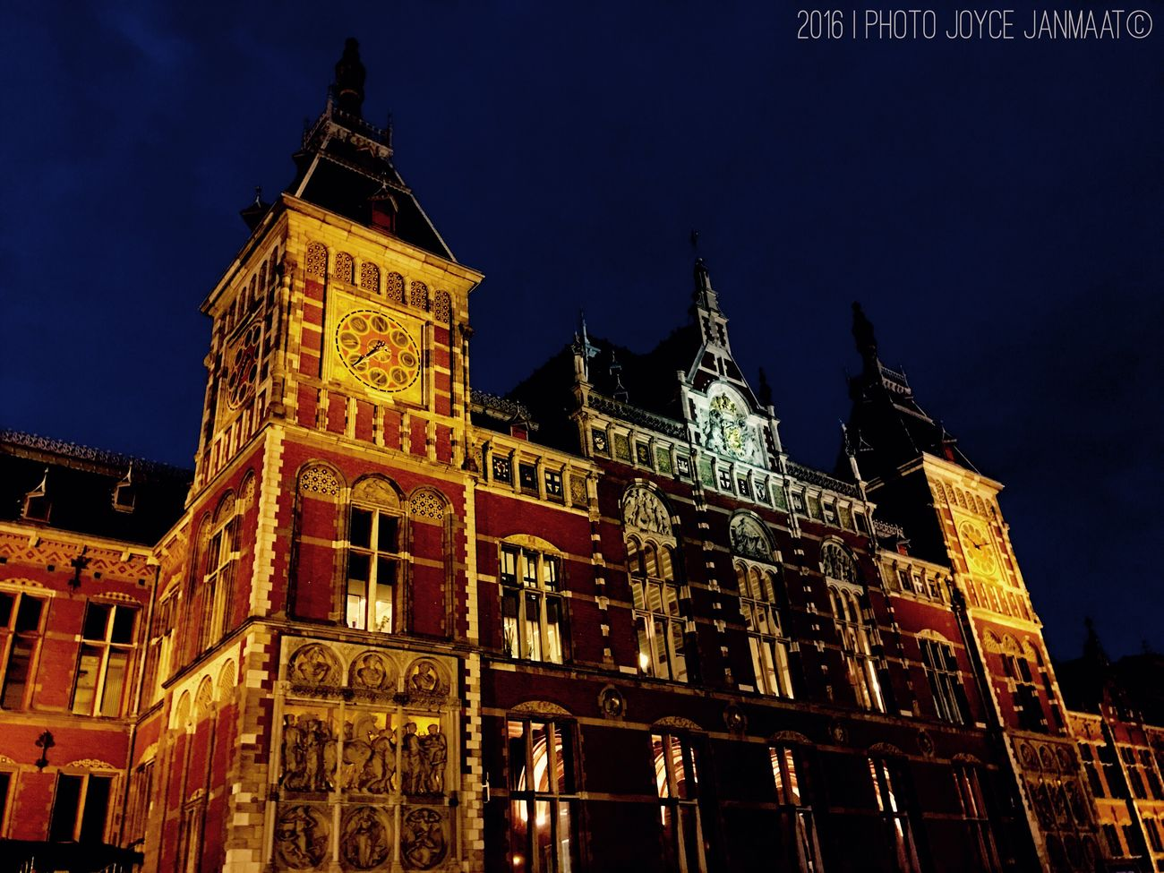 The City Light Amsterdam Amsterdamcity Amsterdam Centraal Amsterdamthroughmycamera Holland Amsterdam City Thenetherlands Netherlands Nederland Amsterdam.nl Amsterdamlife Amsterdam By Night Train Station Dutch Dutch Cities Architecture_collection Architecture Building Exterior Night City Architecture Holland❤ EyEmNewHere