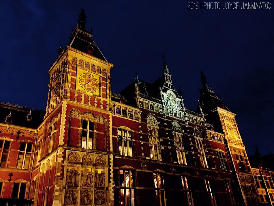 The City Light Amsterdam Amsterdamcity Amsterdam Centraal Amsterdamthroughmycamera Holland Amsterdam City Thenetherlands Netherlands Nederland Amsterdam.nl Amsterdamlife Amsterdam By Night Train Station Dutch Dutch Cities Architecture_collection Architecture Building Exterior Night City Architecture Holland❤ EyEmNewHere Welcome To Black