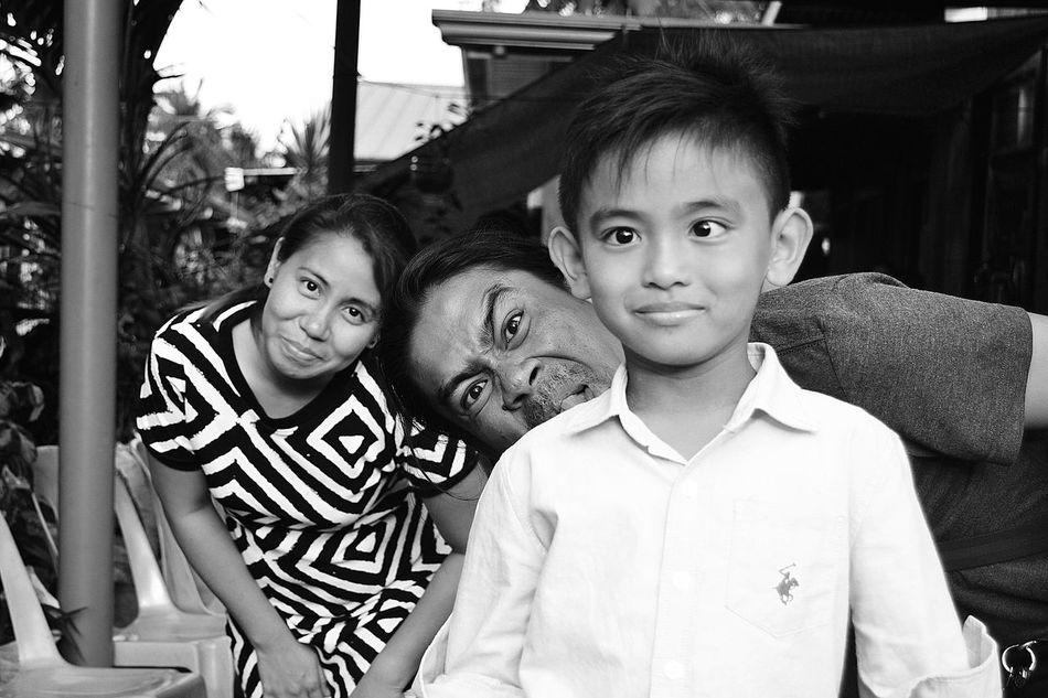 #cute #Familia #family #kids #girls #Loveeeeee #KeepSmiling #monochrome #Monochrome Photography #nikon #Phillippines #WackyTackyDaay Day People