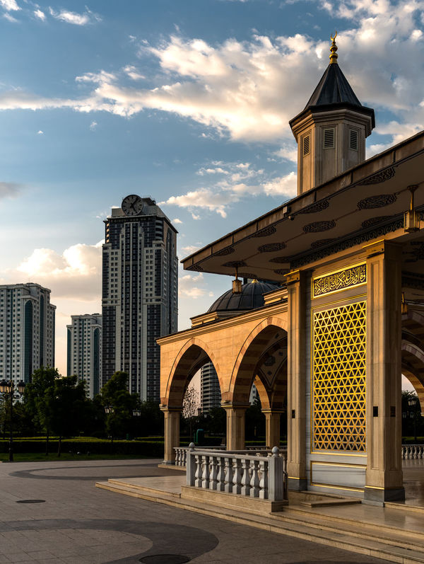 Russia, Chechnya, mosque heart of Chechnya, Grozny city, travel, vacation Grozny City Mosque Heart Of Chechnya Russia Travel Arch Architecture Building Exterior Built Structure Chechnya ChechnyaTODAY City Cloud - Sky Day No People Outdoors Place Of Worship Sky Spirituality Vacation