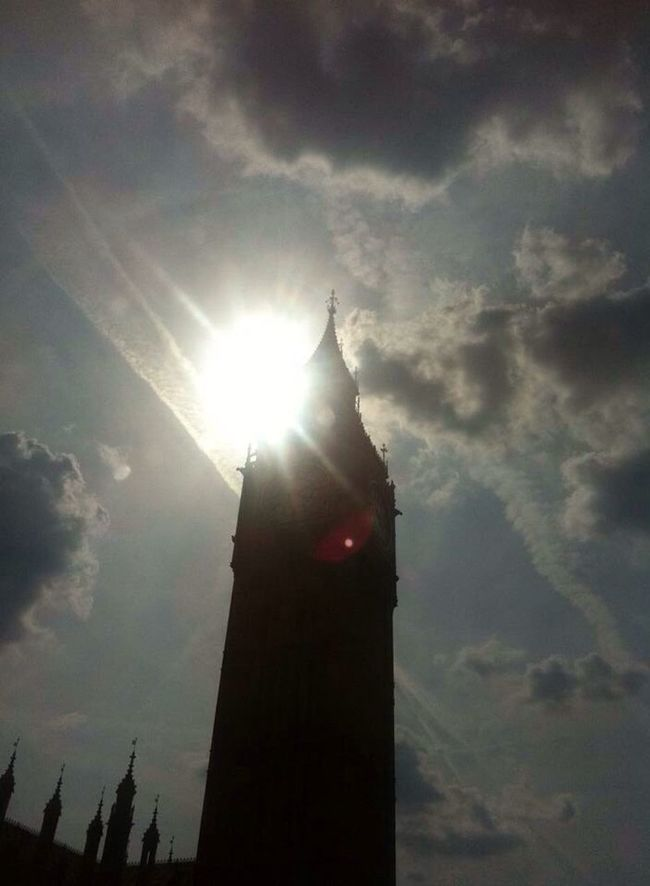 London Lifestyle Long Exposure Sunny Day Big Ben Clock Tower IPhone 2013 Missit Lovely London