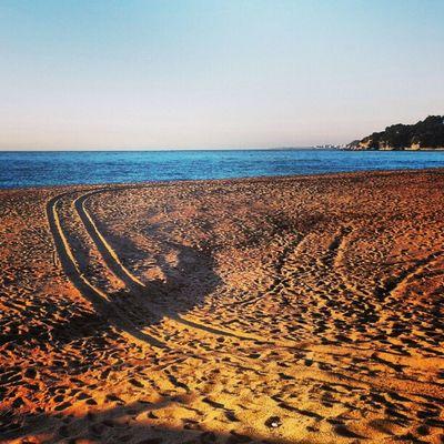 Camins a la sorra Lloretdemar Igersgirona Incostabrava Mar catalunyaexperiencie cel