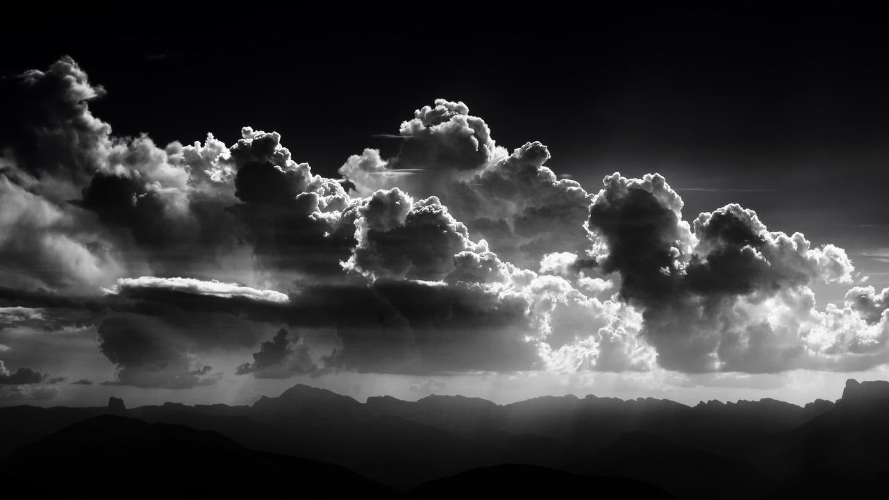 Espérer la lumière, Chamrousse Beauty In Nature Blackandwhite Bw Chamrousse Cloud - Sky Contrast Day France Landscape Light Monochrome Mountain Mountain Range Nature No People Outdoors Polarized Power In Nature Rhonealpes Scenics Sky Storm Cloud Sun