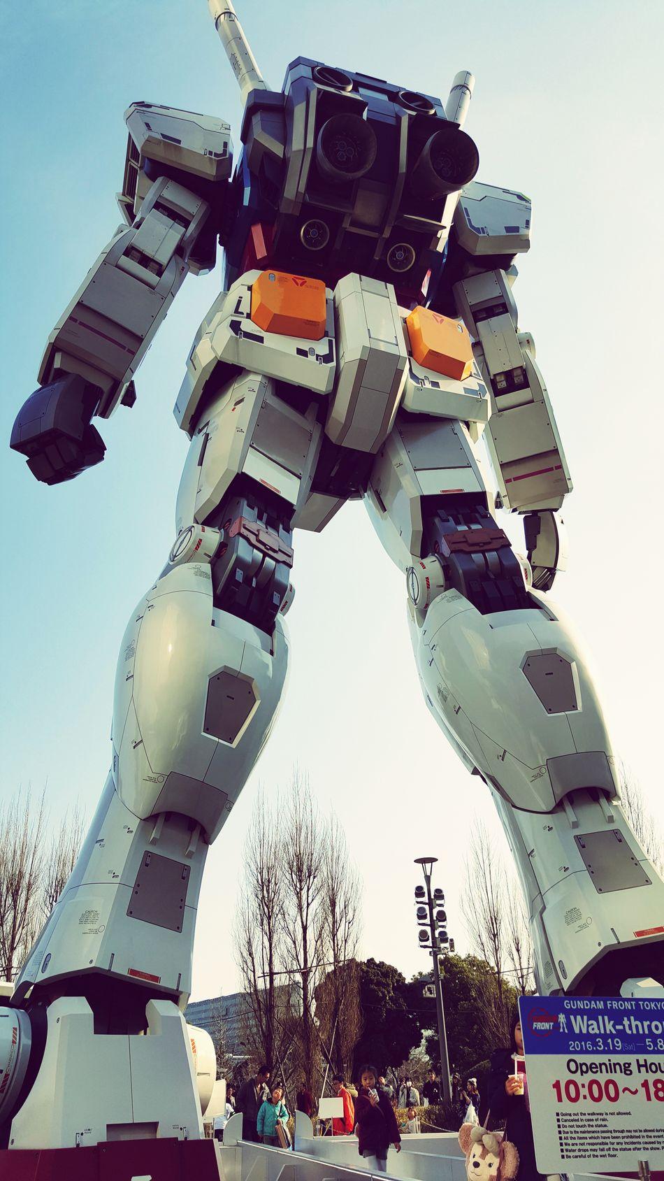 숨막히는 뒷태. 내가 이걸 직접보게 되다니! Gundam Front Tokyo