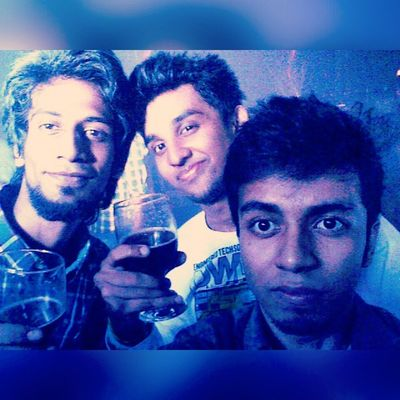 It's really hard to give a fake smile. BeingSnoopie BeingRahath Friendsandfamily TryingToEnjoy YoungWildAndFree Breakupparty TryingToAvoidNightmares Insomniac fresh Midnight Party InstaSelfie Selfie Instaclick Instasnap