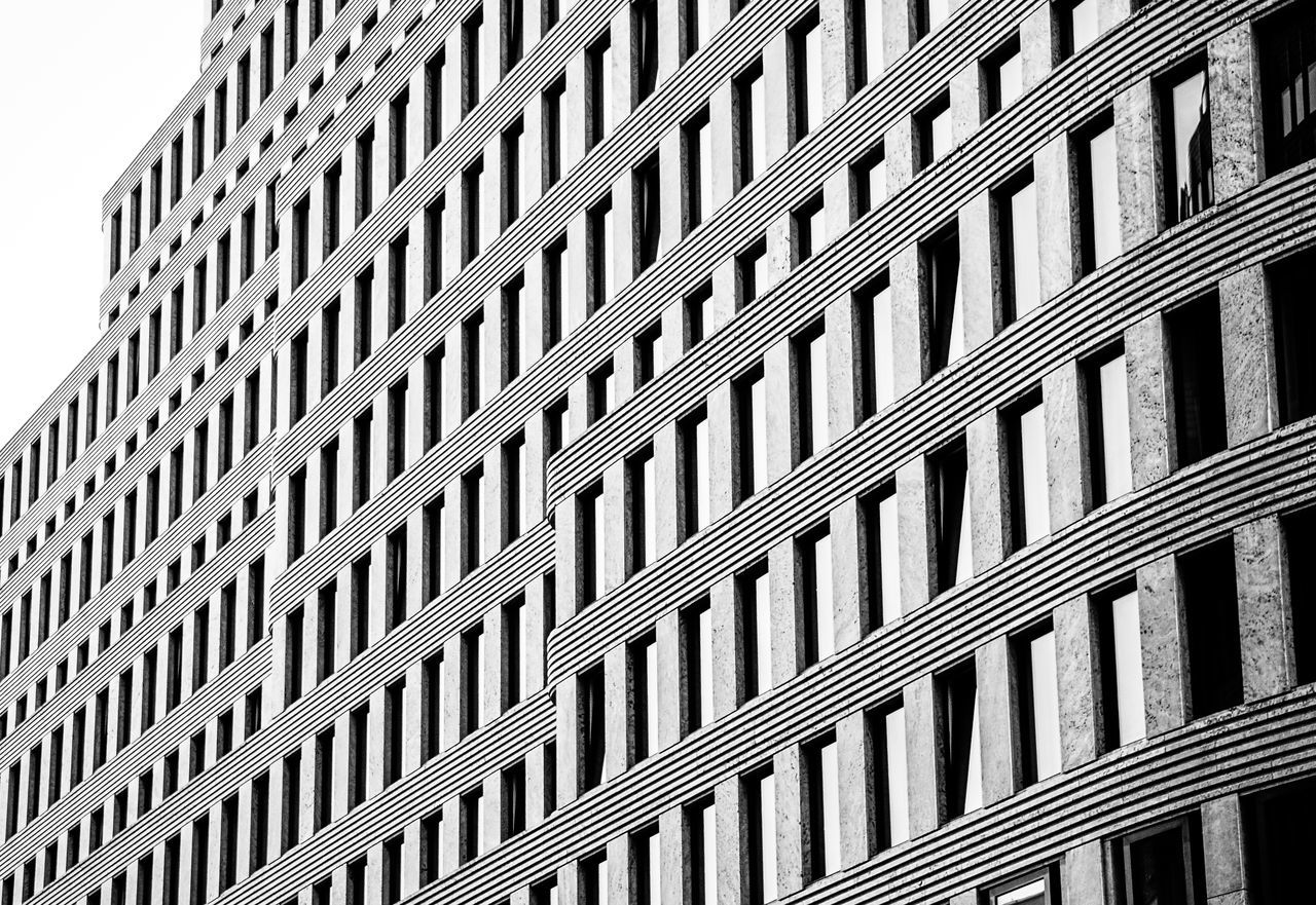 Architecture Architecture Architecture_collection B&w Black & White Building Exterior Built Structure City Day Geometric Shapes Low Angle View Modern No People Outdoors Pattern Repetition Windows