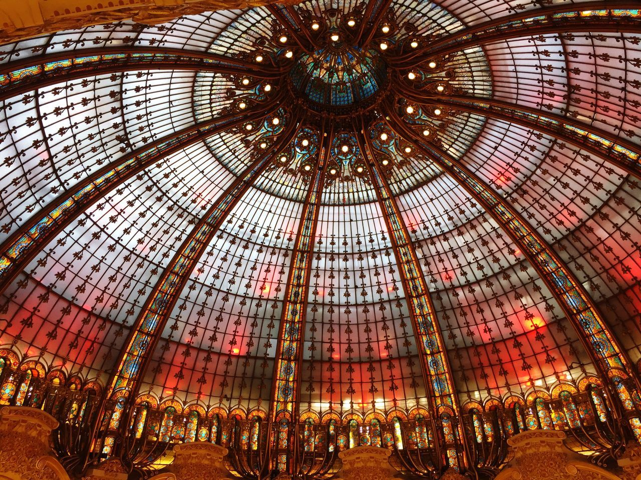 Ceiling Low Angle View Indoors  Architecture No People Shopping Mall Illuminated Architectural Design Day Galeries Lafayette