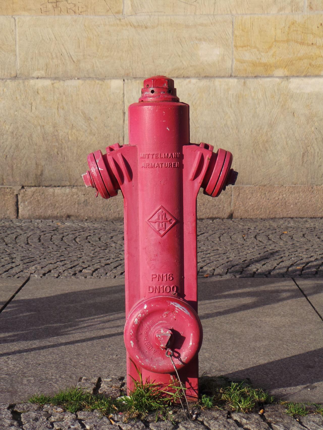 Feuer Feuerwehr Fire Fire Hydrant Fire Plug Fire Service Fireplug Hydrant Leipzig Red Rot Wasser Water