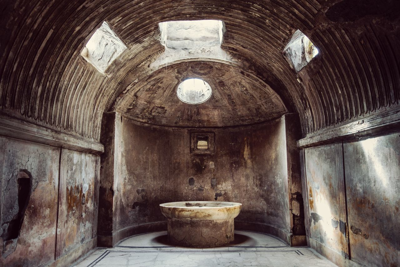 Indoors  Architecture No People Built Structure Roman Bath Roman Ruins Roman Architecture Pompeii  Font Basin Pompeii Ruins Barrel Vaults Light And Shadow italy Italy 🇮🇹 Italia History Travel Travel Destinations Ancient Ancient Building Ancient Ruins EyeEmNewHere