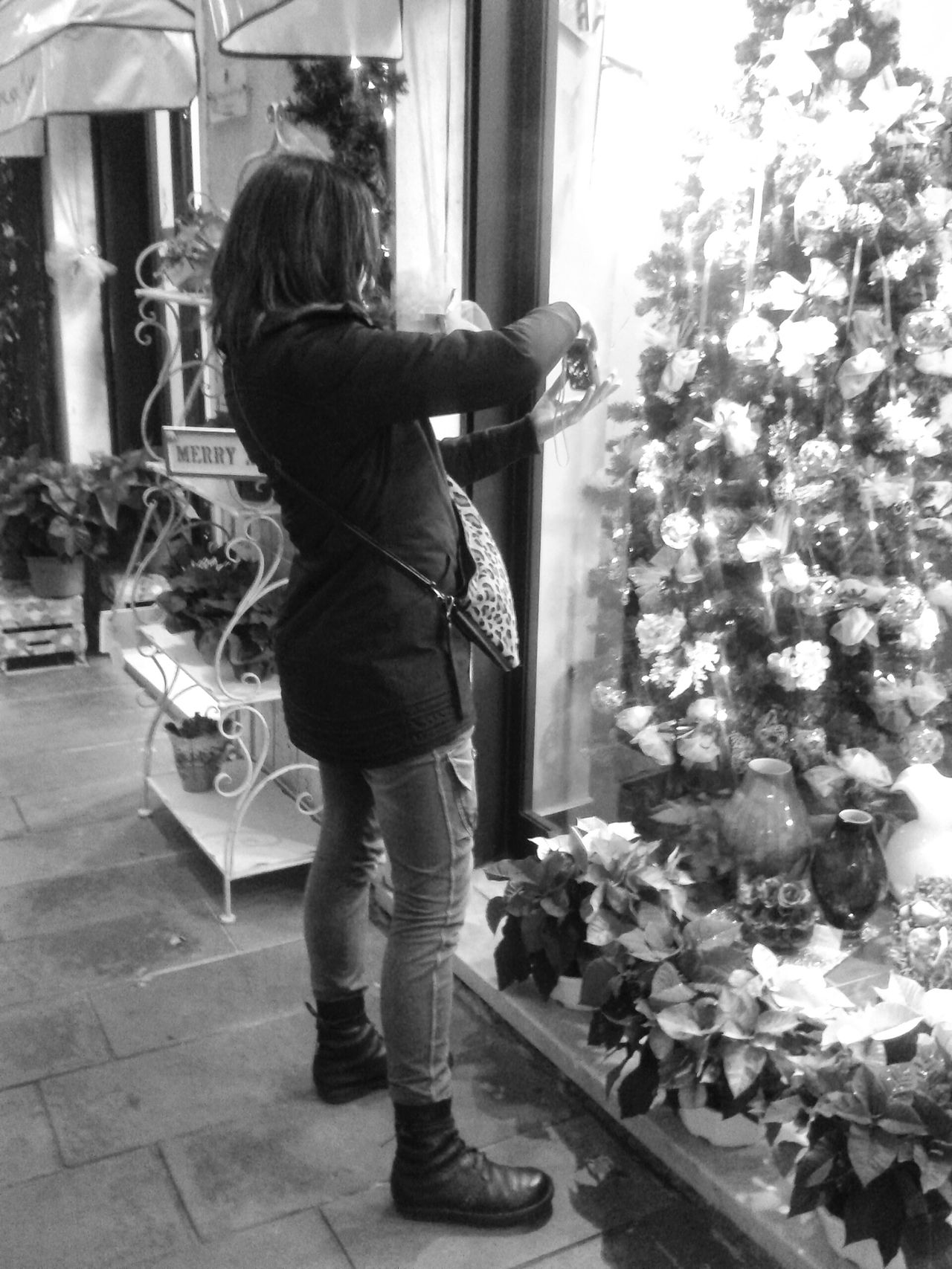 """""""Photographing a photographer"""". Friend People Photography Christmas Time Christmas Lights Amici Christmas Tree Smartphone Photography with S3mini plus Snapseed B&w Filter Bianco E Nero Black And White Italy"""