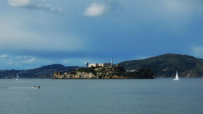 Alcatraz Prison Alcatraz Island Island Sanfrancisco Fisherman's Wharf Escape Sea Shark Seal Ferry Sky Weather WeatherPro: Your Perfect Weather Shot Pastel Power Pastel Spring San Francisco Island Prison Day Sightseeing Treveling Morning Afternoon Landscape The Great Outdoors With Adobe