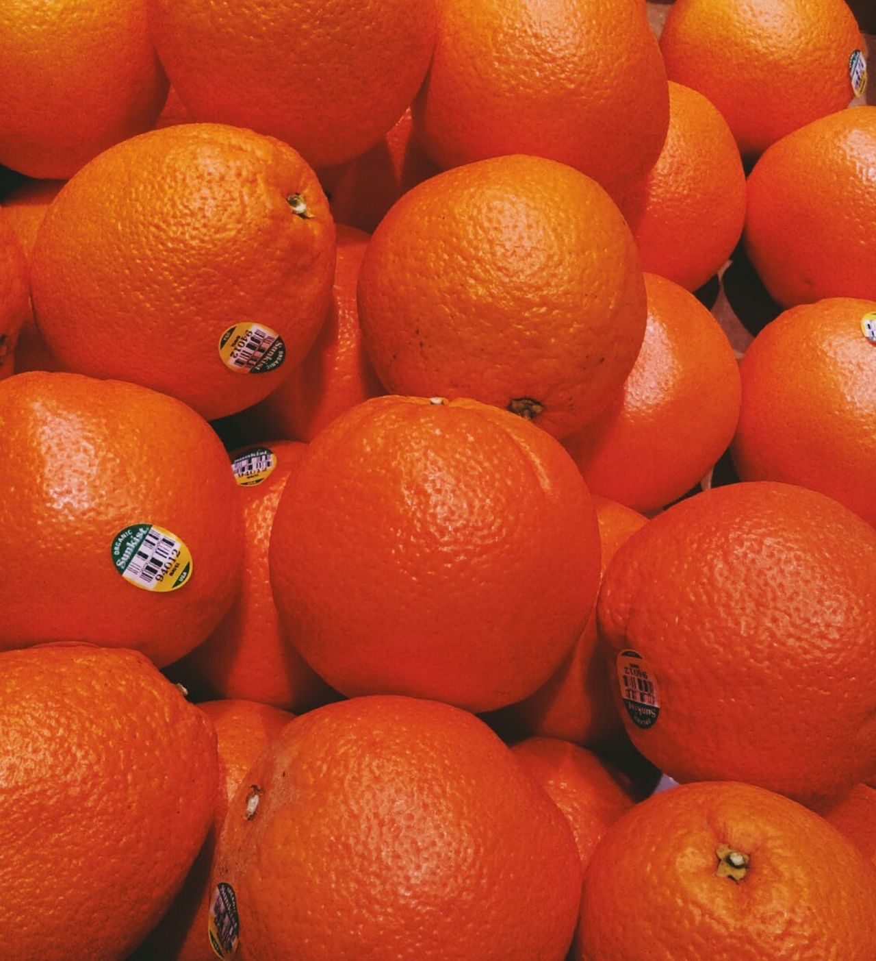 Oranges..Mmmmm. Eye4photography  Shades Of Orange Oranges Fruit Fresh Produce Freshness Vitamin C EyeEm Picturesque Getty Images EyeEm Gallery Eyeem Market Takeaway Show Us Your Takeaway! Eyeem Fruits EyeEm Fruit Collection
