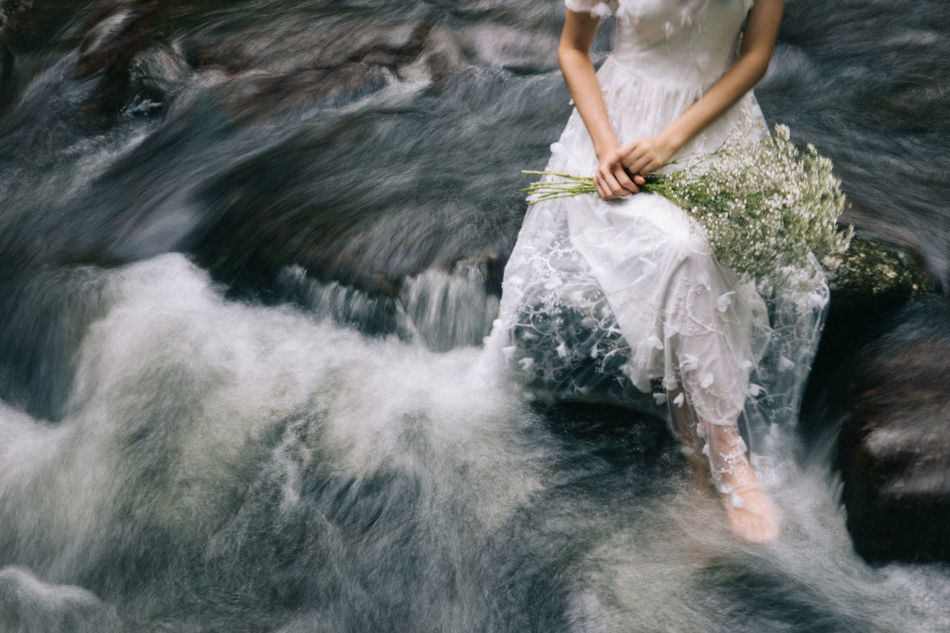 Beautiful stock photos of wasser, Barefoot, Blurred Motion, Bunch Of Flowers, Day