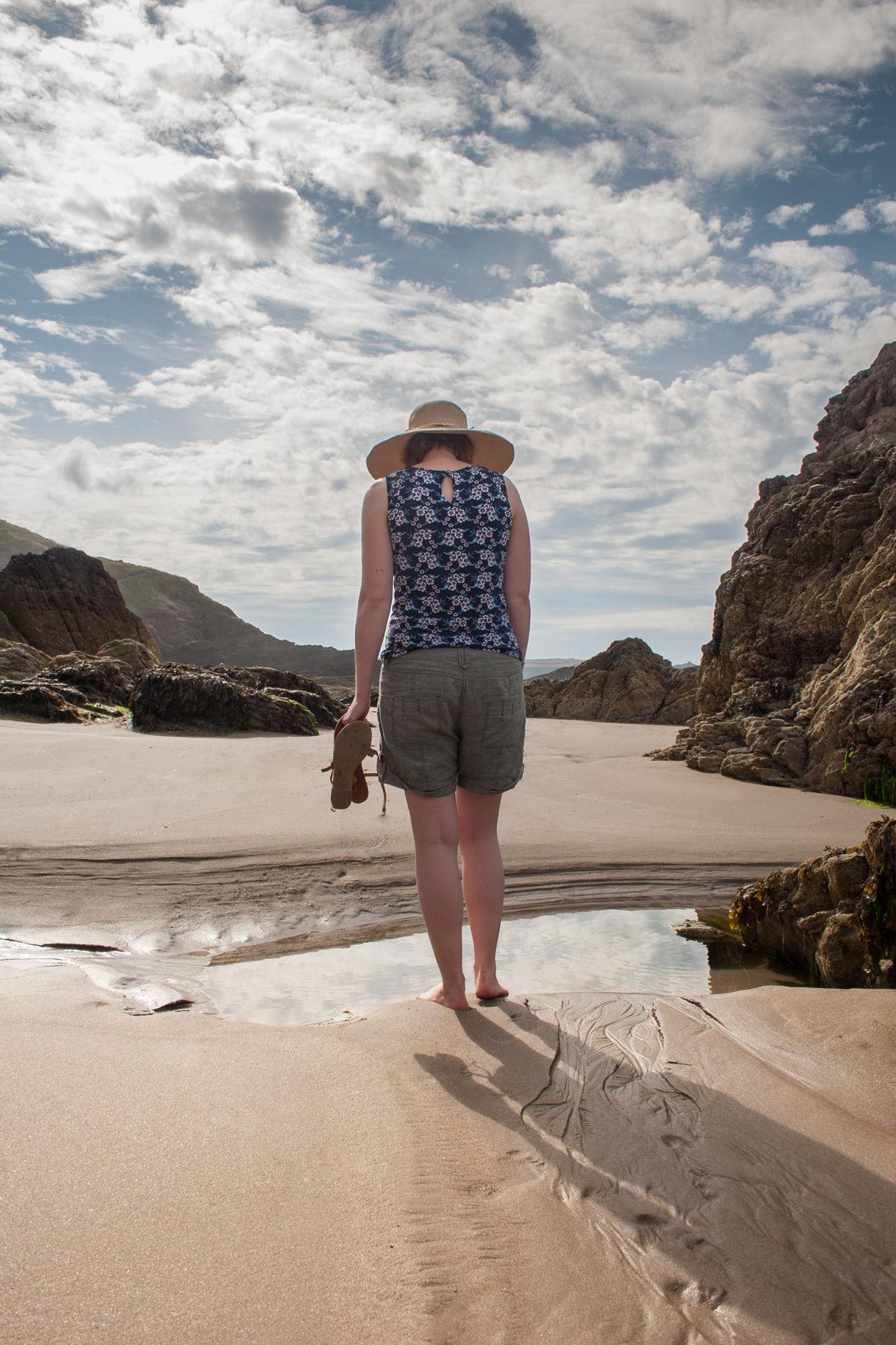 Beautiful stock photos of urlaub, 25-29 Years, Beach, Casual Clothing, Cloud - Sky