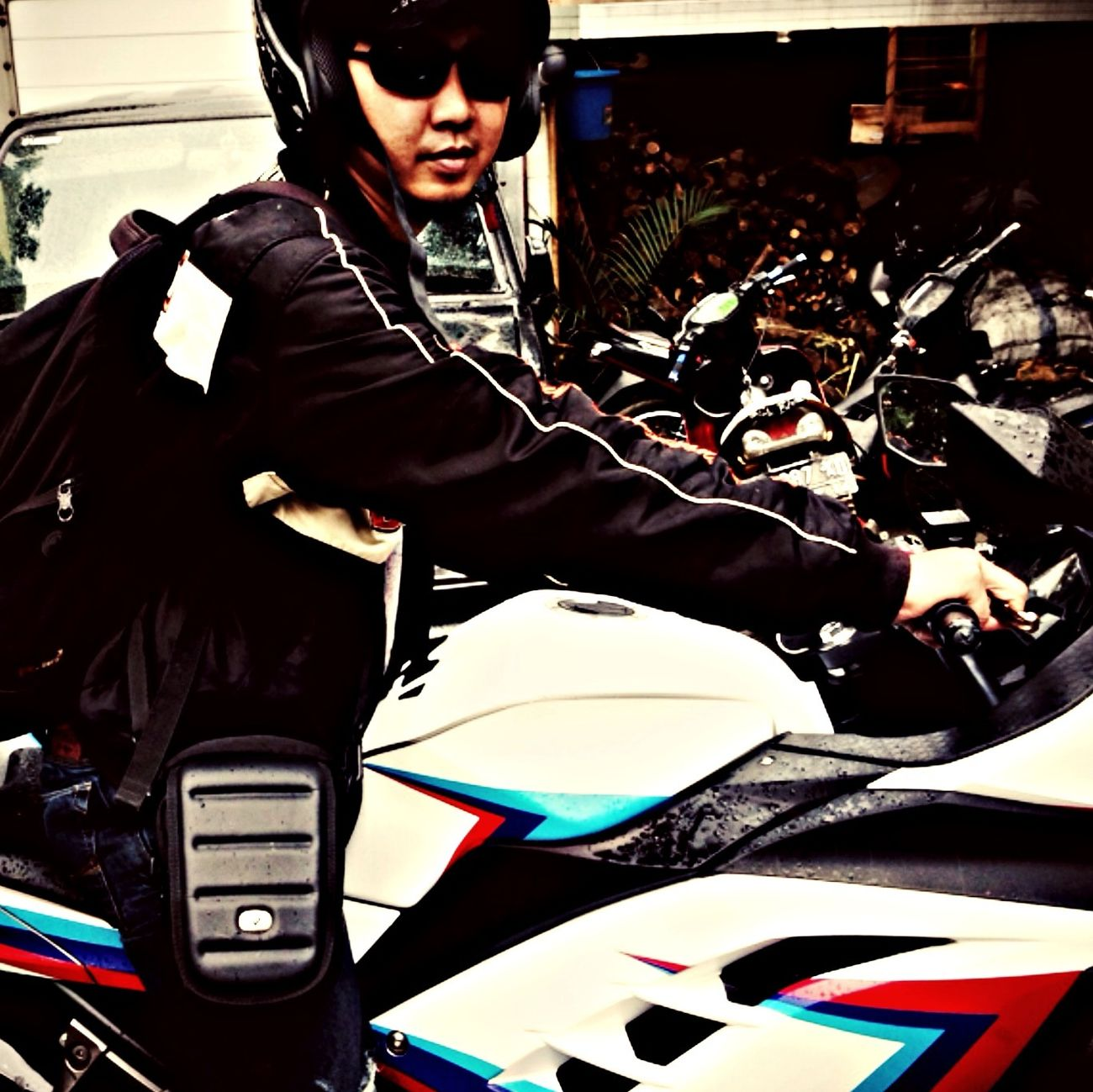 Riding in the rain with my ninja Eating That's Me Taking Photos Socializing