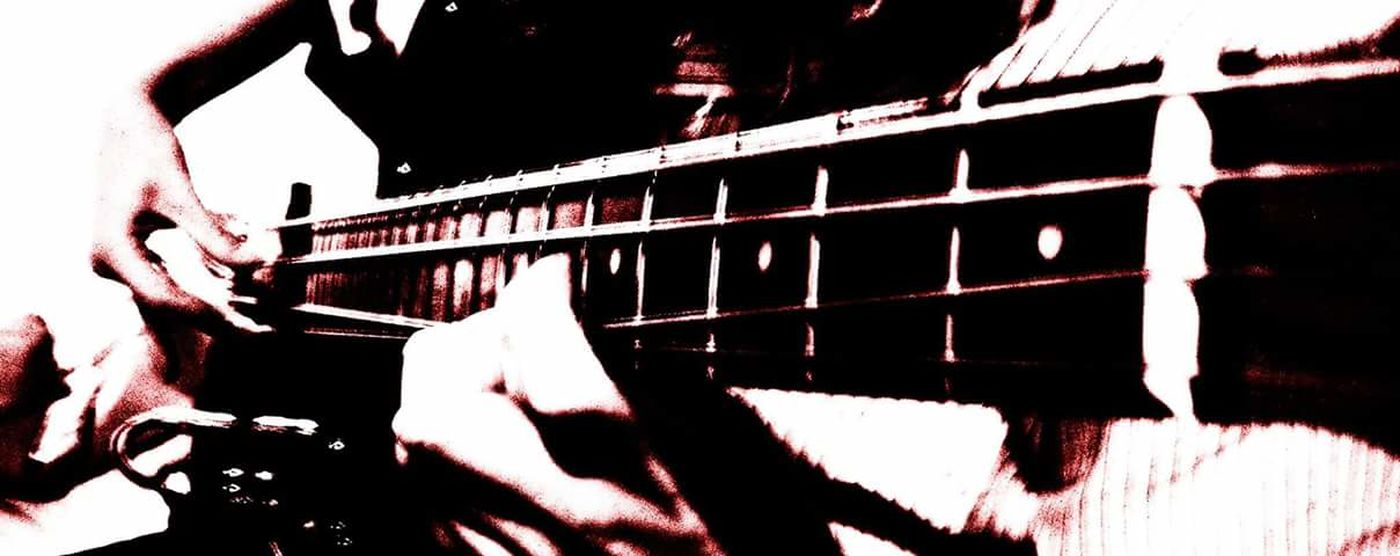 Night Music Bass Guitar Hello World Taking Photos Relaxing Hi! Enjoying Life Hdr Fılter Adana Türkiye My Guitar:) Eye For Photography