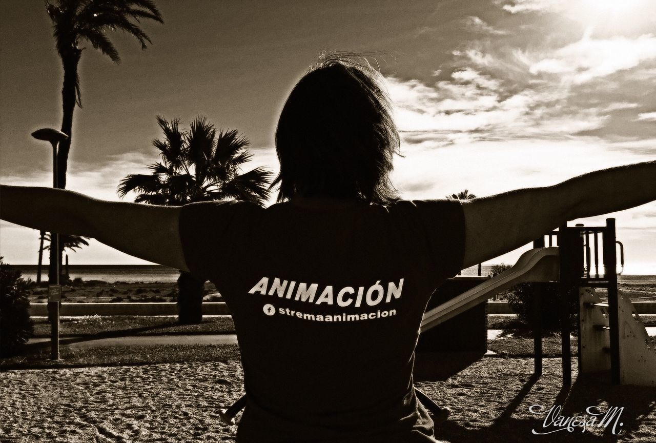 Live For The Story Trabajando Playa #beach Verano Fotografie Fotography Blackandwhite Black And White Black And White Photography Blancoynegro Smile Ocio