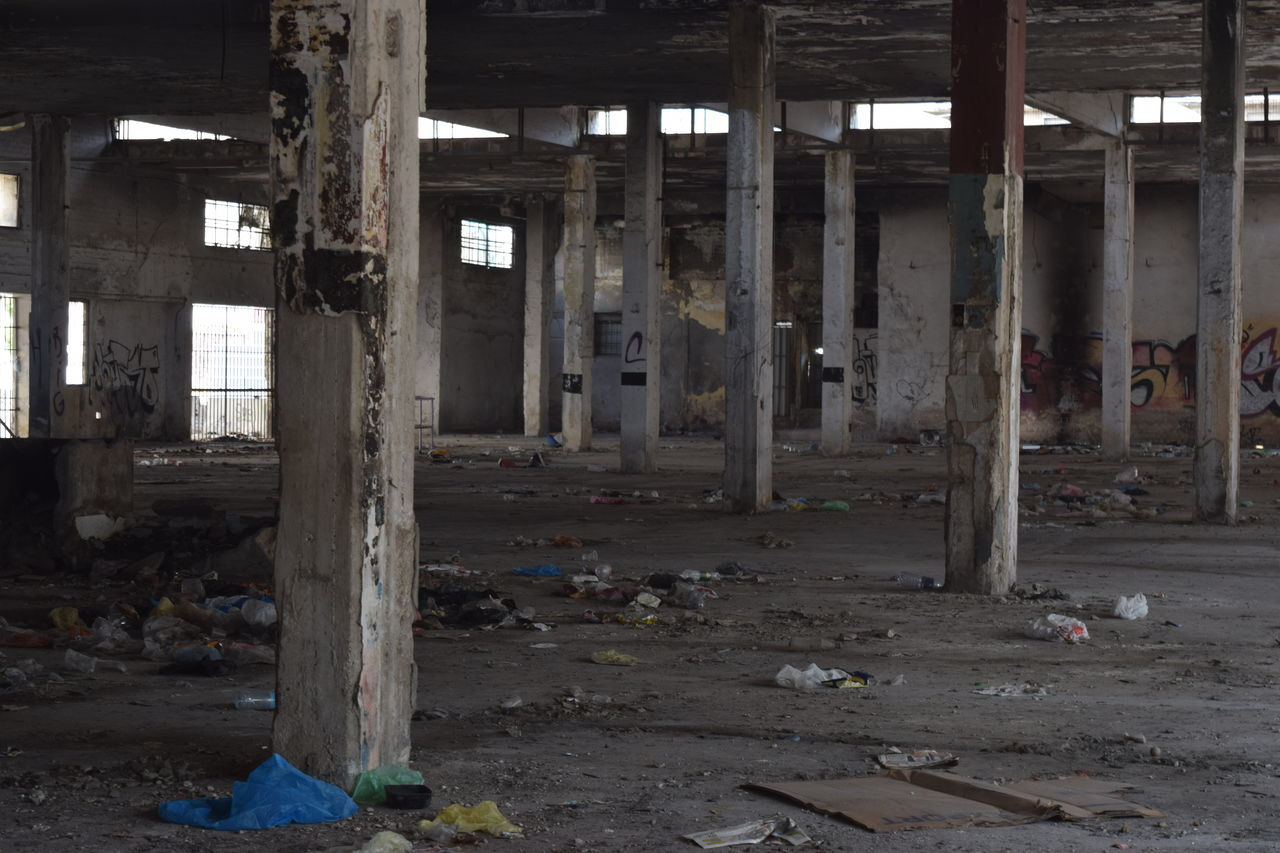 abandoned, destruction, dirty, damaged, indoors, architecture, rubble, no people, desolate, bleak, day