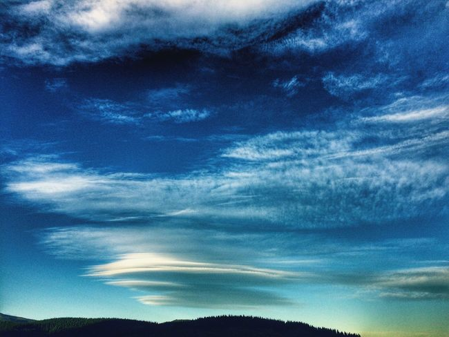 Nature's artwork Calm Beautiful Evening Evening Skyscape Clouds Blue Sky Nature Beauty In Nature Cloud - Sky Scenics Tranquility