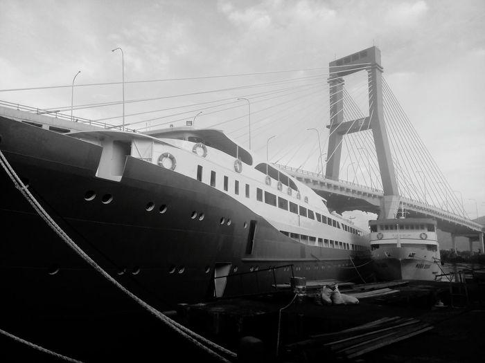 """TITANIC Maybee 😜"" Titanic On The Ship Big Ship Likeforlike #likemyphoto #qlikemyphotos #like4like #likemypic #likeback #ilikeback #10likes #50likes #100likes #20likes #likere Pirates Hollidays"